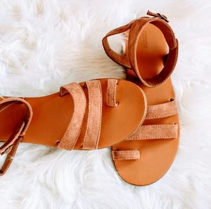 Strappy Suede Sandals with Toe Loop
